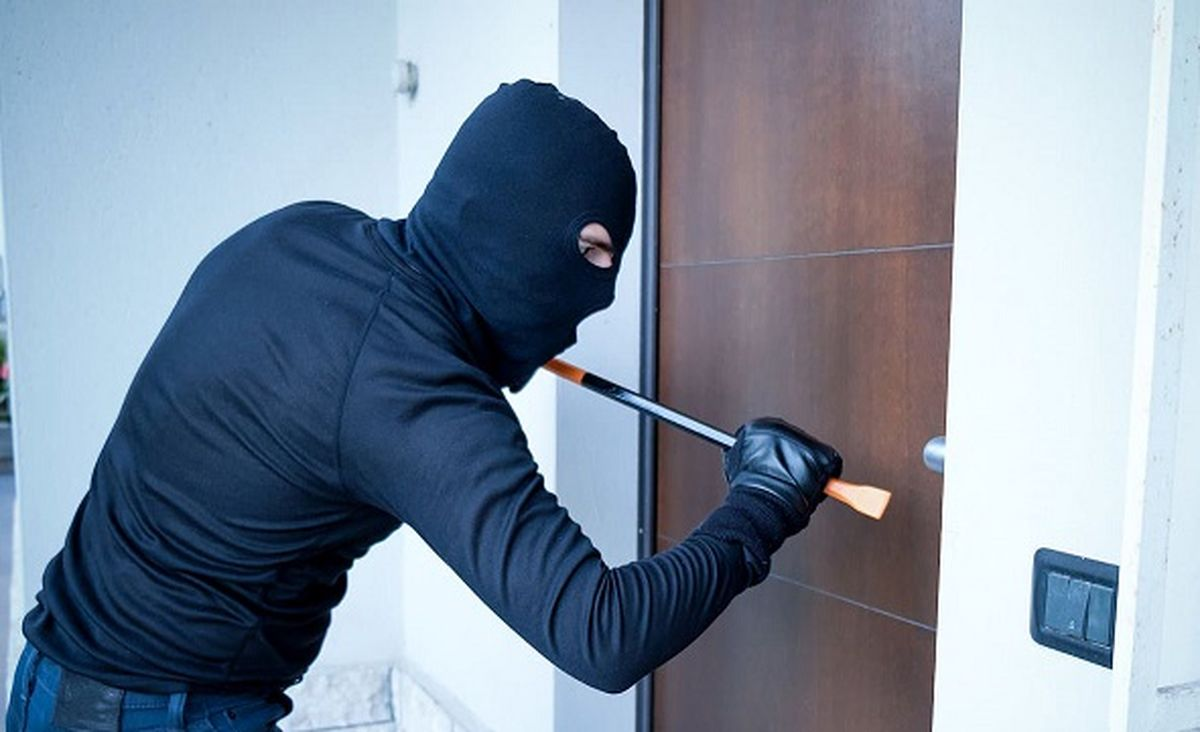 ماجرای سرقت میلیاردی در خانه معاون استاندار هرمزگان چیست ؟