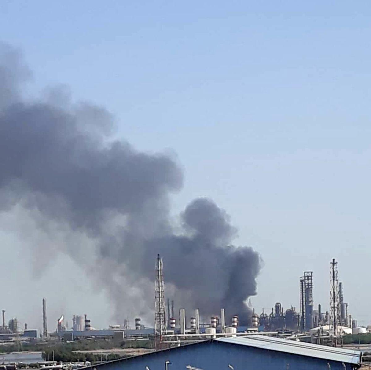 آتش سوزی گسترده در پتروشیمی معروف کشور+ فیلم