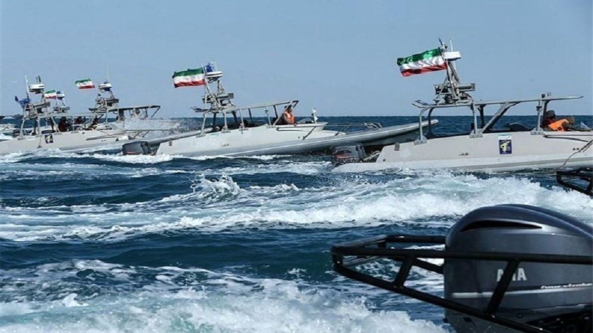 قایق های سپاه پاسداران مورد حمله آمریکا قرار گرفت