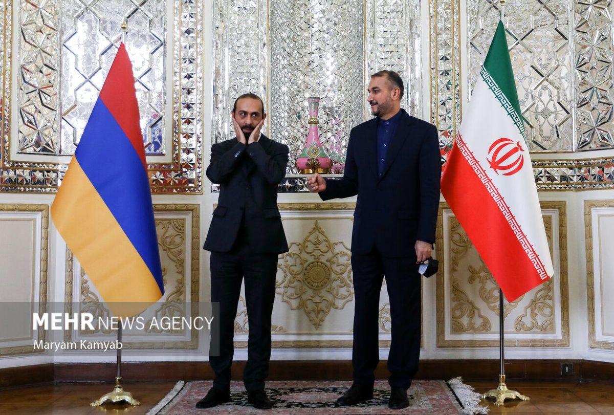 عکس حاشیه ساز امیرعبداللهیان با وزیر خارجه ارمنستان