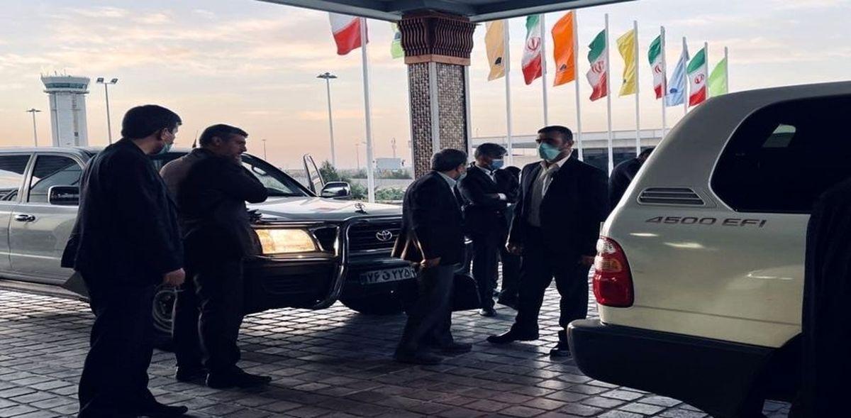 محمود احمدی نژاد ممنوع الخروج بود؟  احمدی نژاد در دبی چه می کند؟