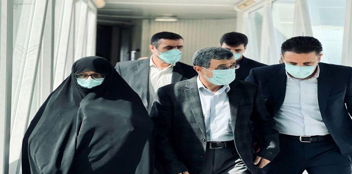 محمود احمدی نژاد و همسرش در دبی+ عکس